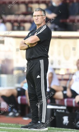 Watford's manager Nigel Pearson during the English Premier League match between Burnley and Watford in Burnley, Britain, 25 June 2020.