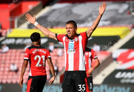 Southampton's Jan Bednarek reacts during the English Premier League soccer match between Southampton FC and Arsenal FC in Southampton, Britain, 25 June 2020.