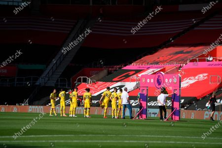 Arsenal players line up for the English Premier League soccer match between Southampton FC and Arsenal FC in Southampton, Britain, 25 June 2020.