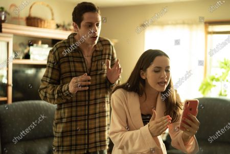 Pete Davidson as Scott Carlin and Maude Apatow as Claire Carlin
