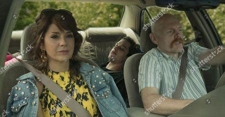 Marisa Tomei as Margie Carlin, Pete Davidson as Scott Carlin and Bill Burr as Ray Bishop