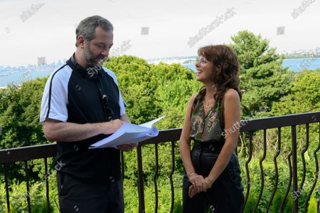 Judd Apatow Director/Producer/Co-Writer and Marisa Tomei as Margie Carlin