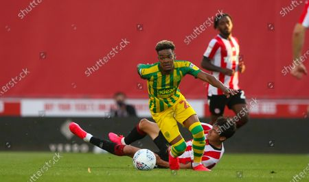 Christian Norgaard of Brentford (L) & Grady Diangana of West Bromwich Albion