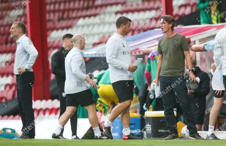 Brentford Manager Thomas Frank (R) & West Bromwich Albion Manager Slaven Bilic (L)