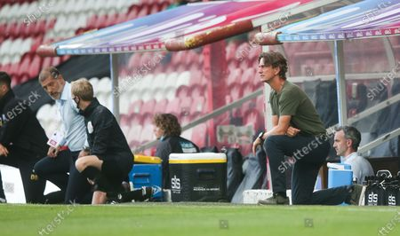 Brentford Manager Thomas Frank takes a knee before kick off
