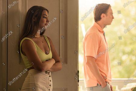 Madelyn Cline as Sarah Cameron and Drew Starkey as Rafe Cameron
