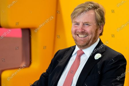 King Willem-Alexander during a working visit to Avans University in Breda. The visit focuses on the impact of the corona outbreak on education.