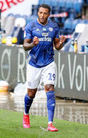 Nathaniel Mendez-Laing of Cardiff City celebrate at full time