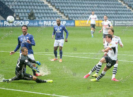 Josh Harrop of Preston North End misses a chance to score in the last minute