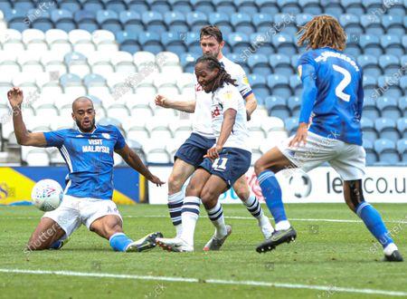 Daniel Johnson of Preston North End scores to make it 1-1