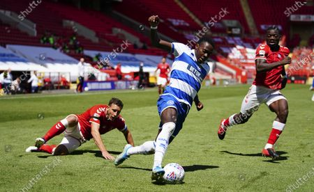 Bright Osayi-Samuel of QPR beats two opponents