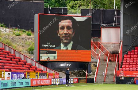 A minute's applause for Theo Foley