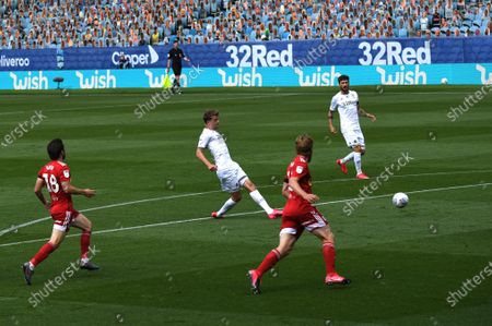 Patrick Bamford of Leeds United scores his side's first goal