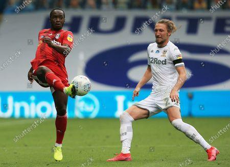 Neeskens Kebano of Fulham and Luke Ayling of Leeds United