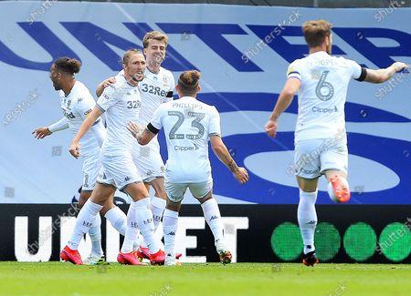 Patrick Bamford of Leeds United celebrates scoring the opening goal with his team-mates