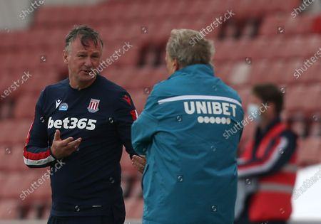 Stoke City's Manager Michael O'Neill has words with Middlesbrough Manager, Neil Warnock
