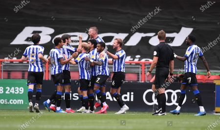 Ashton Gate Stadium, Bristol, England; Massimo Luongo of Sheffield Wednesday celebrates with his team after scoring in 62nd minute for 0; English Football League Championship Football, Bristol City versus Sheffield Wednesday.