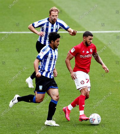Nahki Wells of Bristol City and Massimo Luongo of Sheffield Wednesday.