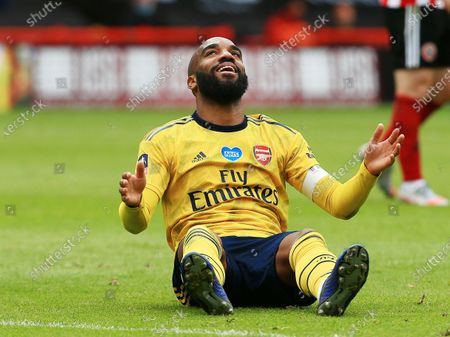 Alexandre Lacazette of Arsenal reacts