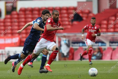 Nottingham Forest's Lewis Grabban breaks through to score the second goal