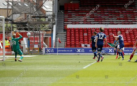 Nottingham Forest's Lewis Grabban  (Hidden) volleys the first goal