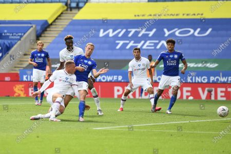 Ross Barkley of Chelsea scores a goal to make it 0-1.