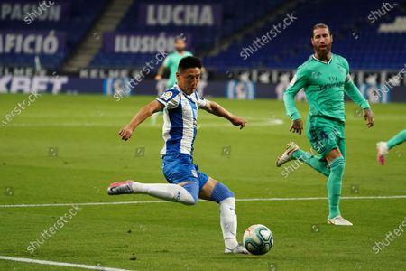 RCDE Stadium, Barcelona, Catalonia, Spain; Wu Lei of Espanyol crosses into the Madrid penalty area past Sergio Ramos; La Liga Football, Real Club Deportiu Espanyol de Barcelona versus Real Madrid.