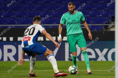 RCDE Stadium, Barcelona, Catalonia, Spain; Benzema of real takes on Bernardo of Espanyol; La Liga Football, Real Club Deportiu Espanyol de Barcelona versus Real Madrid.