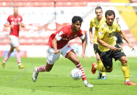 Barnsley's Romal Palmer on the ball.