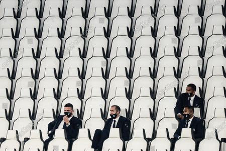 Demiral, Chiellini, Alex Sandro and Danilo respect the social distancing misure to contain the covid  Juventus during the The Serie A football Match Juventus FC vs Lecce. Juventus won 4-0, at Allianz Stadium in Turin, Italy on 26 june 2020