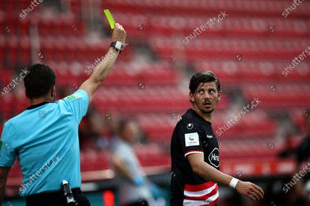Dawid Kownacki of Fortuna Dusseldorf is shown a yellow card during the German Bundesliga soccer match between 1. FC Union Berlin and Fortuna Duesseldorf at Stadion An der Alten Foersterei in Berlin, Germany., 27 June 2020.