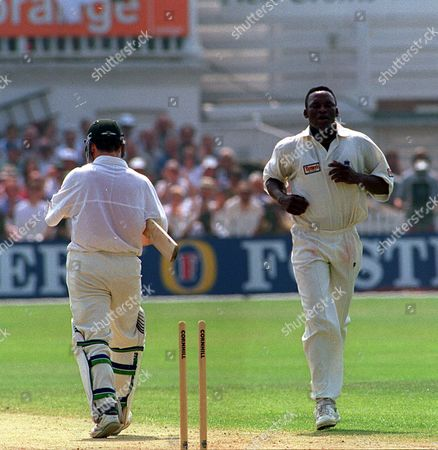 Cricket 5th Test Match At Trent Bridge 1997 England V Australia.....ashes..australia Won The Match Devon Malcolm Gets Wicket Of Steve Waugh