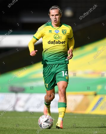 Todd Cantwell of Norwich in action during the English FA Cup quarter final soccer match between Norwich City and Manchester United in Norwich, Britain, 27 June 2020.
