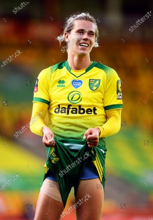 Todd Cantwell of Norwich celebrates after scoring the 1-1 equalizer during the English FA Cup quarter final soccer match between Norwich City and Manchester United in Norwich, Britain, 27 June 2020.