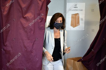 Agnes Buzyn, La Republique en Marche (LREM) candidate in the 2020 mayoral elections leaves the polling booth prior to casting her vote for the second round of the mayoral elections, in the 5th district of Paris, France, 28 June 2020. The second round of municipal elections was to be held on 22 March 2020 but was delayed due to the spread of the coronavirus pandemic causing the Covid-19 disease.