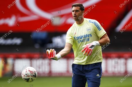Arsenal's goalkeeper Emiliano Martinez warms up prior to the English FA Cup quarter final match between Sheffield United and Arsenal London in Sheffield, Britain, 28 June 2020.