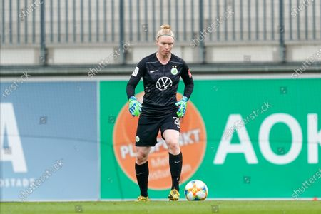 Hedvig Lindahl of Vfl Wolfsburg during the Womens Bundesliga football match between VfL Wolfsburg and Bayer 04 Leverkusen.