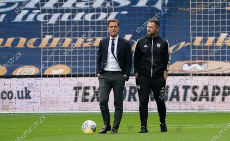 Fulham Manager Scott Parker on the pitch before the match