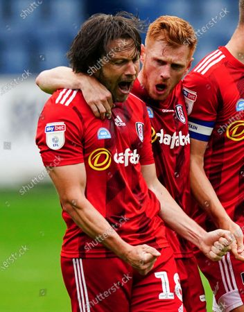 Harry Arter of Fulham celebrates scoring a goal with Harrison Reed 1-1