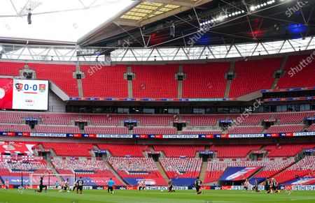 Sky Bet Seat Kills as players and officials take the knee