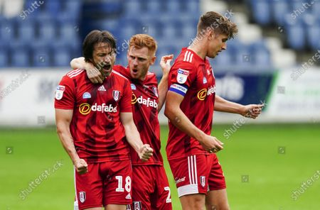 Harry Arter of Fulham celebrates scoring a goal 1-1