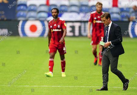 Fulham Manager Scott Parker walks off at half time