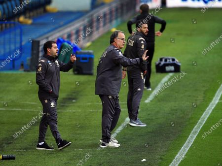 Leeds United manager Marcelo Bielsa issues instructions