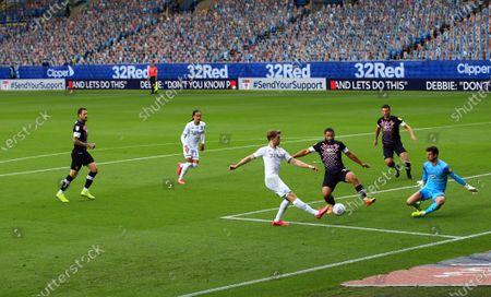 Patrick Bamford of Leeds United takes a shot