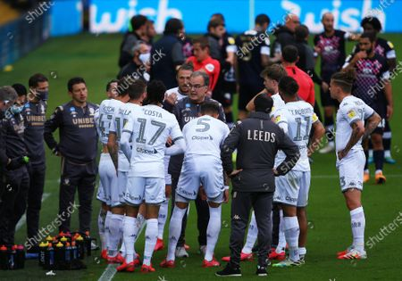 Leeds United manager Marcelo Bielsa issues instructions during the drinks break