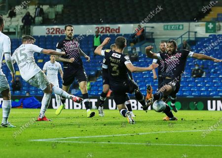 Stuart Dallas of Leeds United scores a goal to make it 1-1