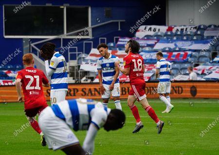 Harry Arter of Fulham celebrates scoring an equaliser goal in the first half