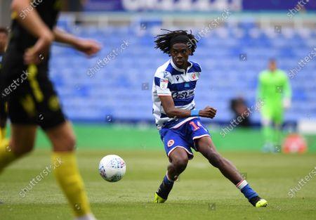 Madejski Stadium, Reading, Berkshire, England; Ovie Ejaria of Reading brings the ball forward; English Championship Football, Reading versus Brentford.