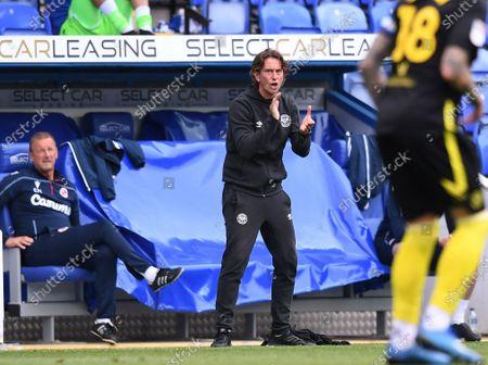 Madejski Stadium, Reading, Berkshire, England; Thomas Frank Manager of Brentford encourages his team; English Championship Football, Reading versus Brentford.