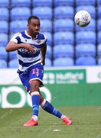 Madejski Stadium, Reading, Berkshire, England; Jordan Obita of Reading plays the ball forward; English Championship Football, Reading versus Brentford.